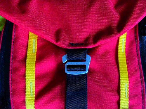 Topo Yellow Straps